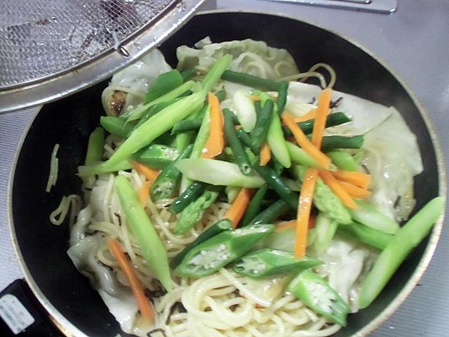 茹で野菜投入