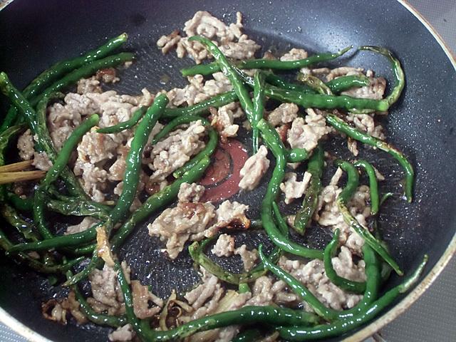 挽き肉と炒める