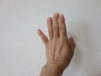 手のポーズ2
