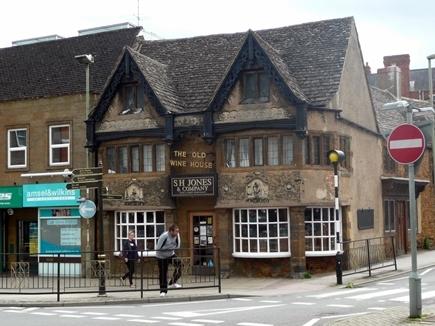 The_Old_Wine_House_-_Banbury.jpg
