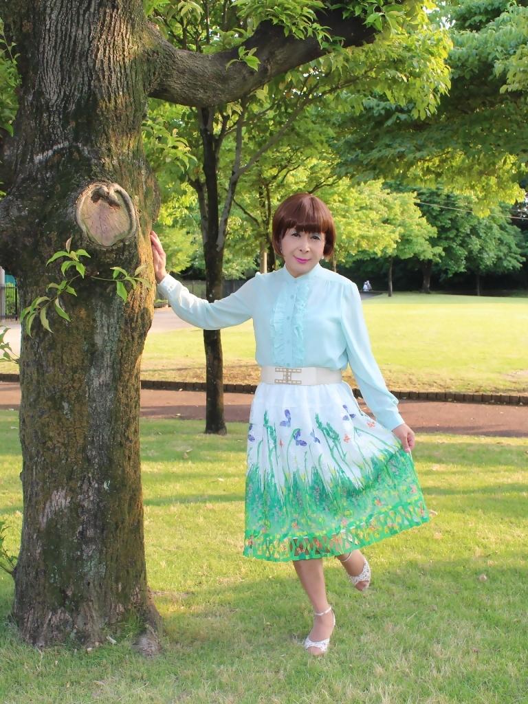 緑ブラウス緑絵柄スカートA(1)