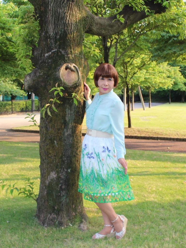 緑ブラウス緑絵柄スカートA(2)
