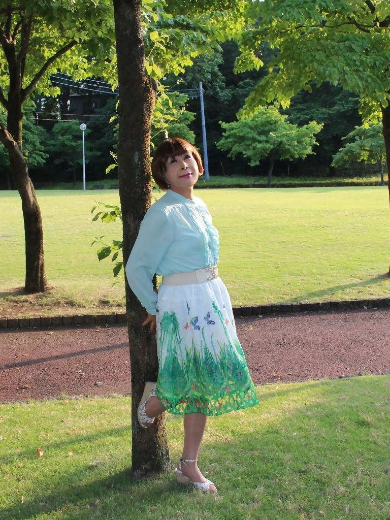 緑ブラウス緑絵柄スカートA(5)