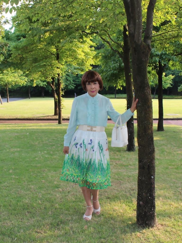 緑ブラウス緑絵柄スカートA(6)
