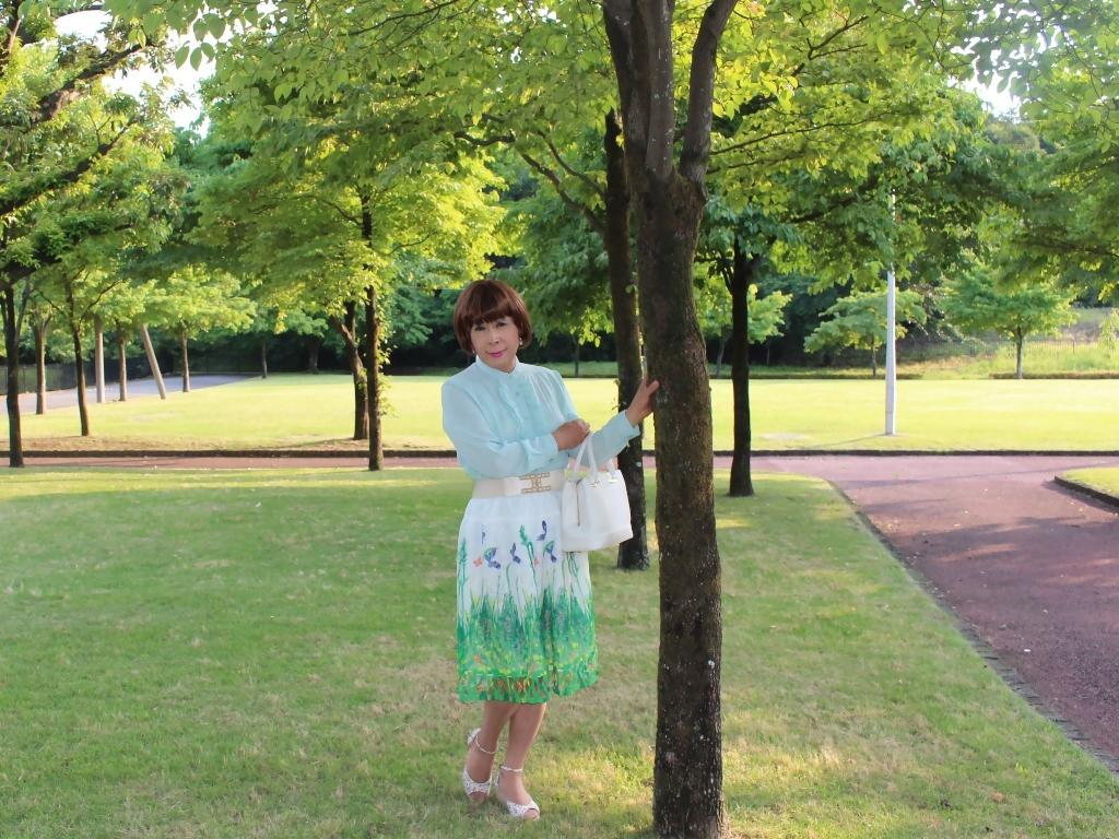 緑ブラウス緑絵柄スカートA(7)