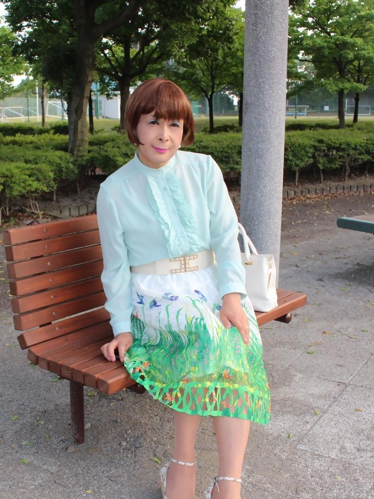 緑ブラウス緑絵柄スカートB(2)