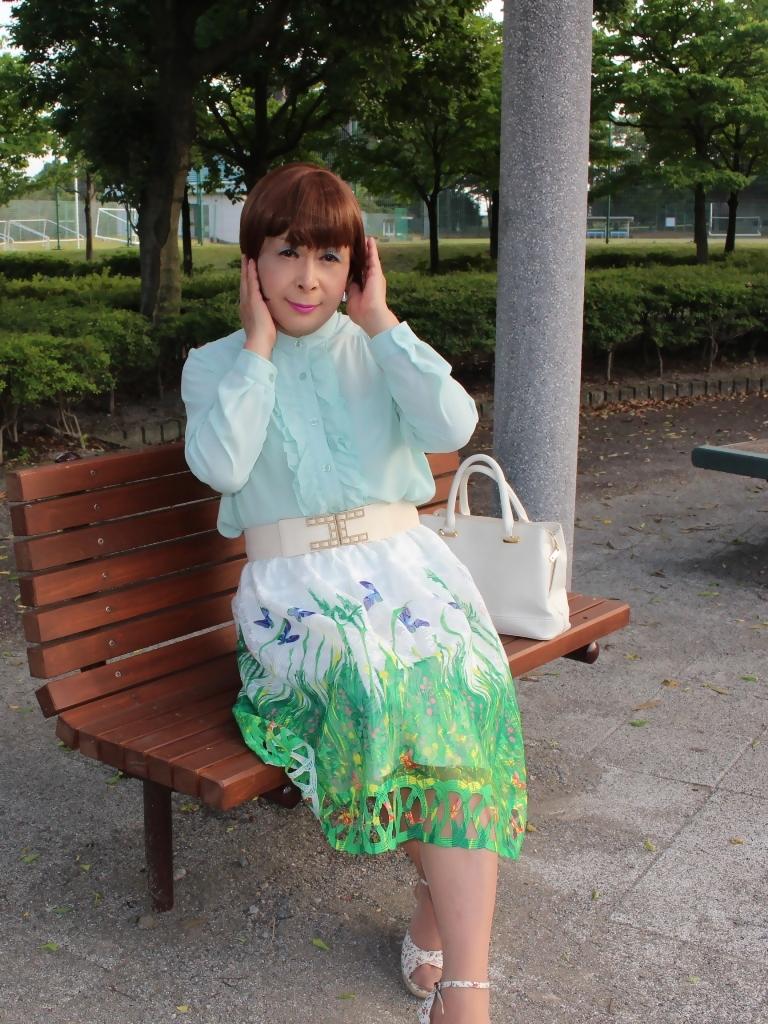 緑ブラウス緑絵柄スカートB(3)