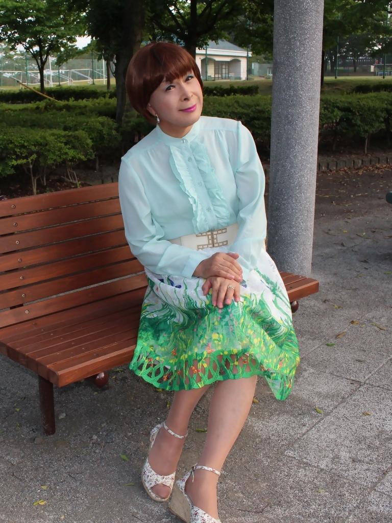緑ブラウス緑絵柄スカートB(6)