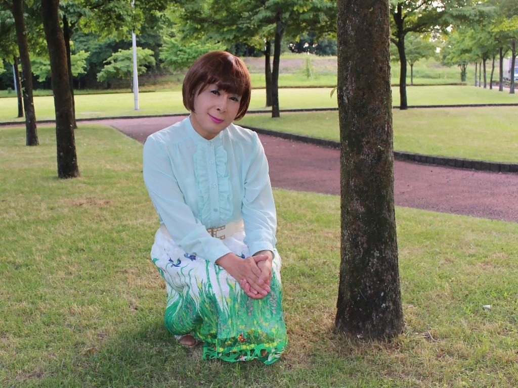緑ブラウス緑絵柄スカートC(1)