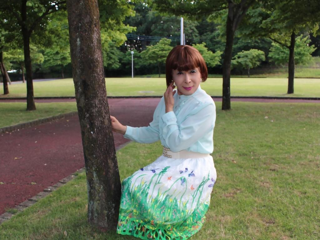 緑ブラウス緑絵柄スカートC(5)