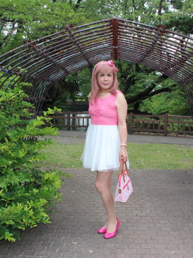 上ピンク下ホワイトワンピA(1)