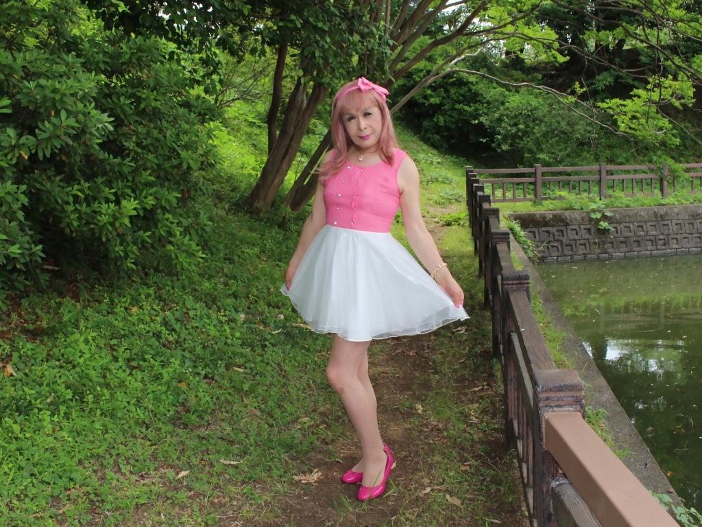 上ピンク下ホワイトワンピA(3)