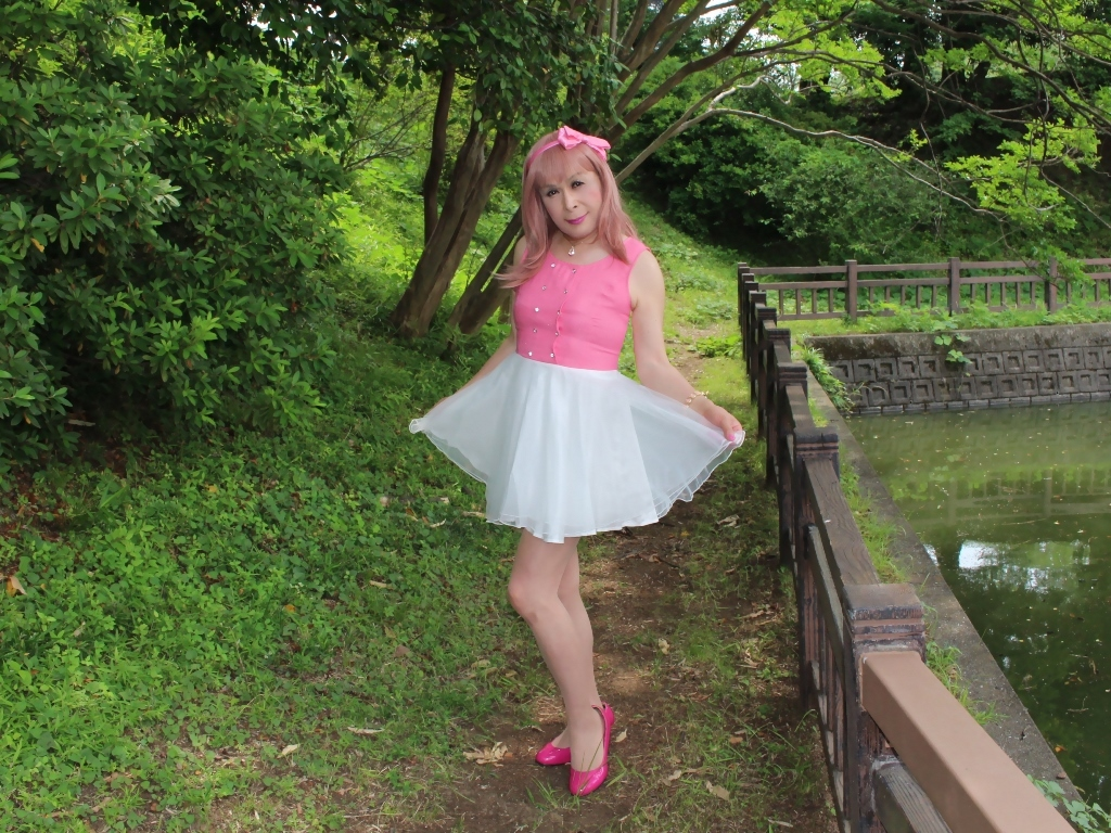 上ピンク下ホワイトワンピA(4)