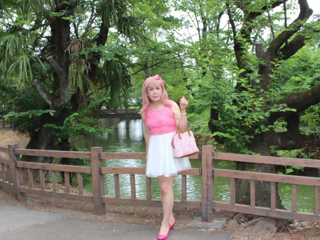 上ピンク下ホワイトワンピB(4)