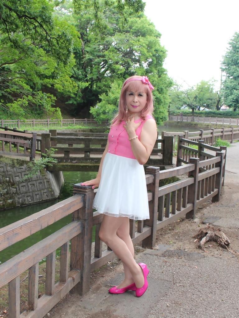 上ピンク下ホワイトワンピB(2)