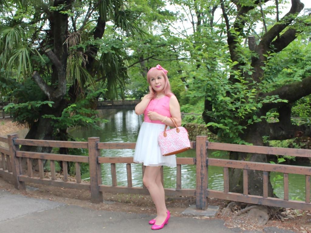 上ピンク下ホワイトワンピB(5)