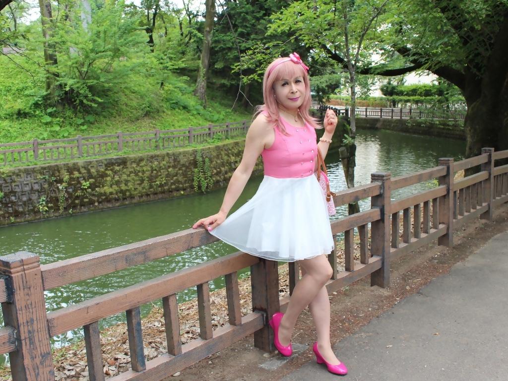 上ピンク下ホワイトワンピB(8)