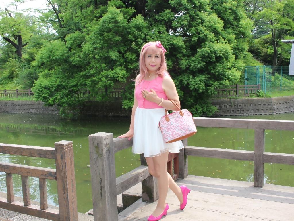 上ピンク下ホワイトワンピC(4)