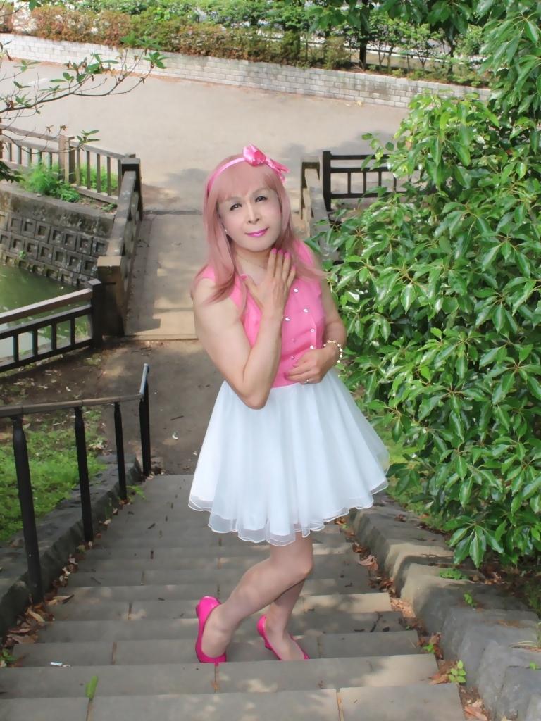 上ピンク下ホワイトワンピD(2)