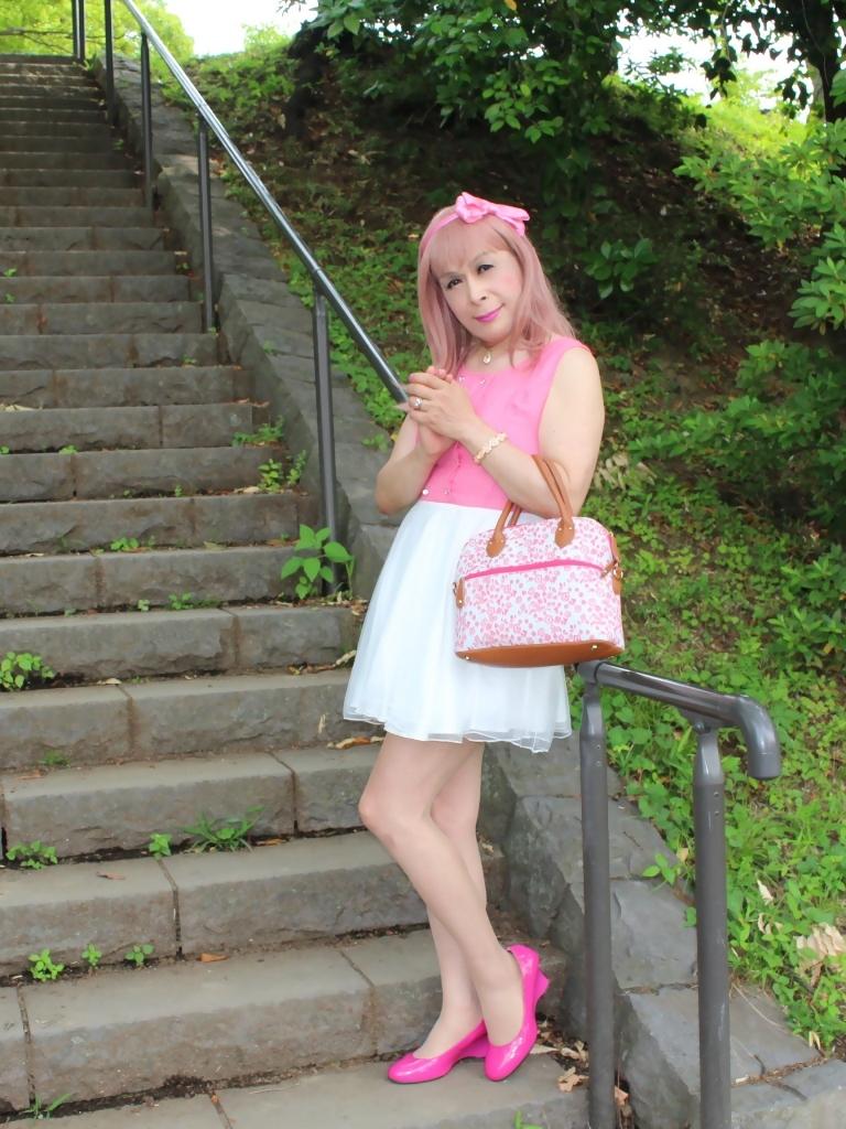 上ピンク下ホワイトワンピD(5)