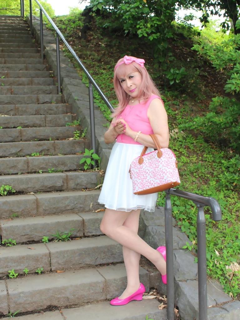 上ピンク下ホワイトワンピD(6)
