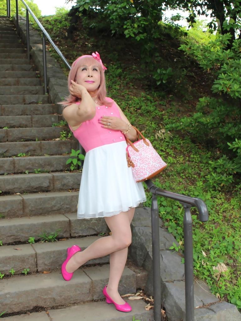 上ピンク下ホワイトワンピD(8)