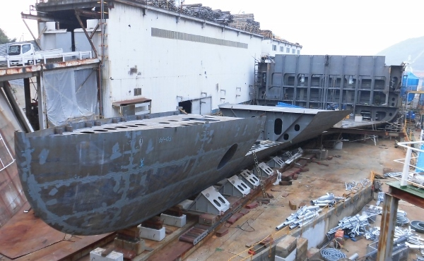 CIMG0654 船を作っている(600x370)