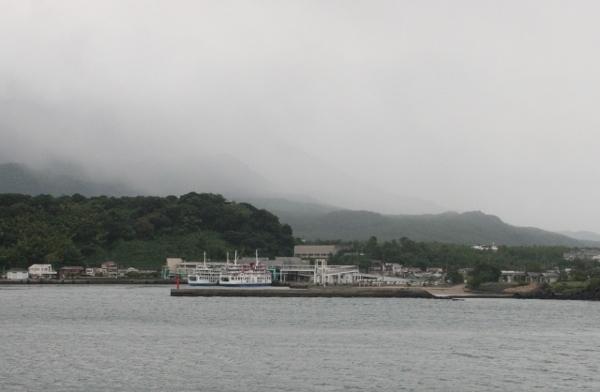 008 IMG_0184 桜島に着く(600x392)