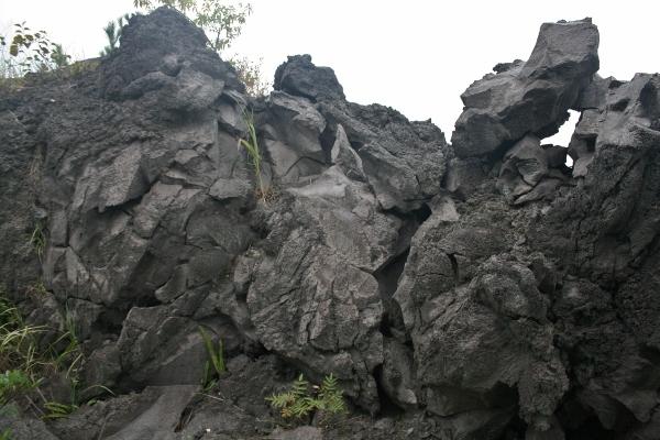 104 IMG_0197 溶岩流(600x400)