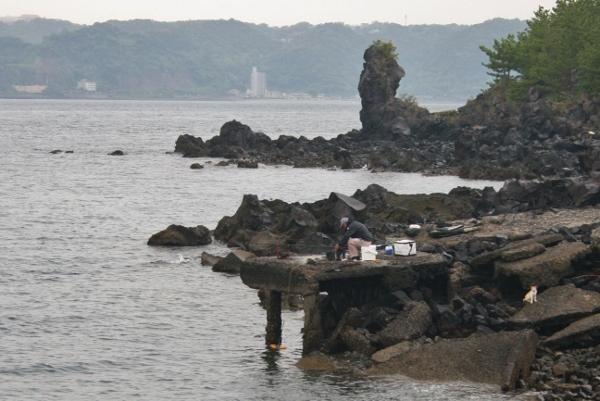 106 IMG_0201 釣り人が(600x401)