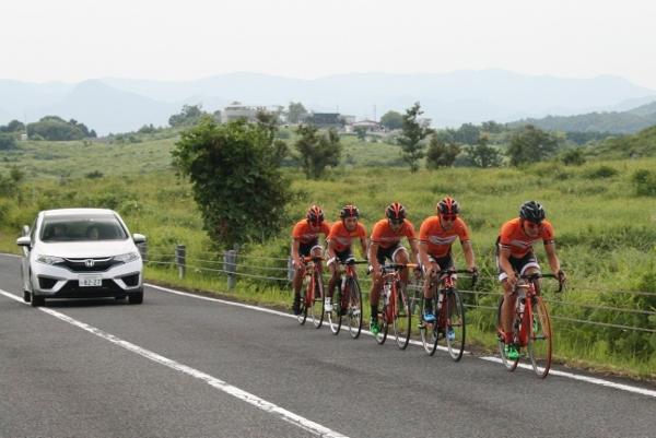 IMG_0312 レースチーム(600x401)