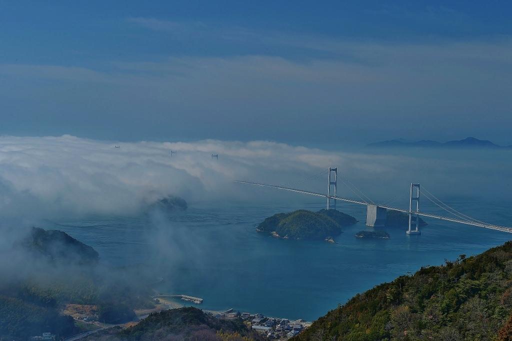 霧の来島海峡