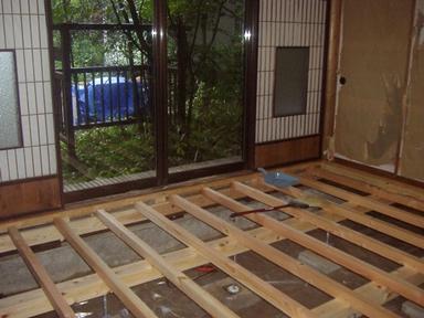 床の修繕1