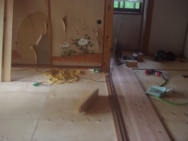 床の修繕2
