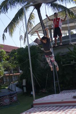 Trapeze3.jpg