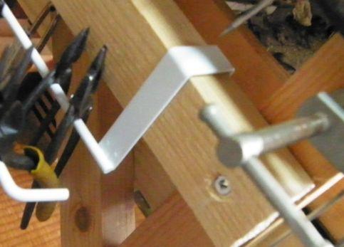 机にヤットコ・ニッパー置き場を増設 (1)