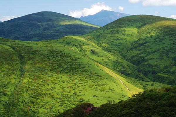 秋田駒ヶ岳8合目から岩手山