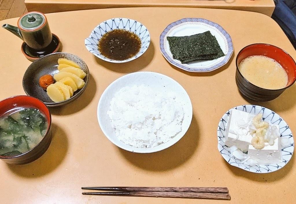典型的な日本の朝食