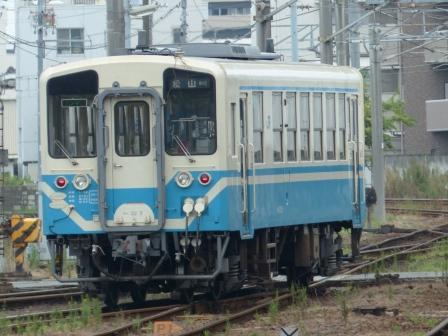 JR松山駅 キハ32形気動車 1