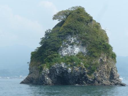 周遊船から見た 男小鹿島 ?