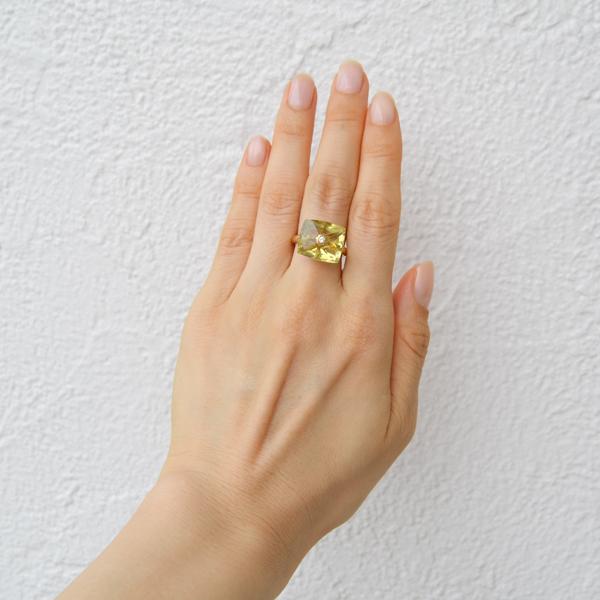 K18YG製レモンクォーツダイアモンドリング正面写真