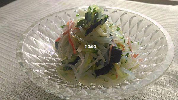 わかめスープの素できゅうりと白滝のサラダ
