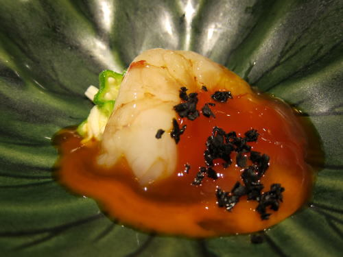 赤海老のコブシメ、味噌漬け卵黄とオクラと長芋