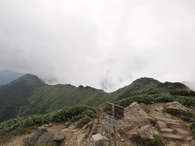 伊予富士/山頂の様子