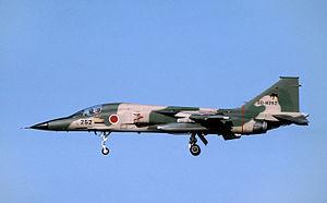 F-1_(13610307365