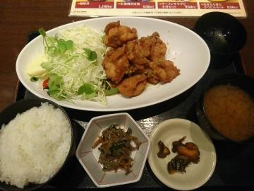 カッパ・クリエイト 北海道 油淋鶏定食02 201703