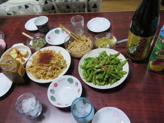 パパイヤチャンプルー、枝豆のにんにく醤油