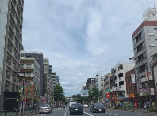 東京 渦巻く雲