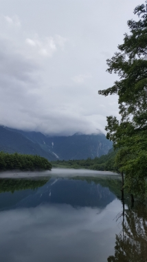 雨上がりの大正池