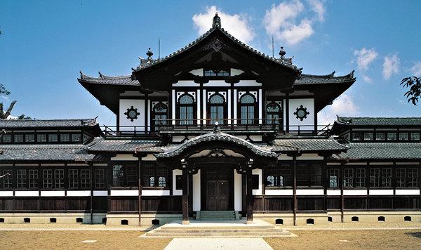 開設当初、奈良国立文化財研究所が置かれた、現仏教美術資料研究センター